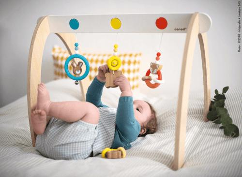 Spielbogen aus Holz für Babys kaufen