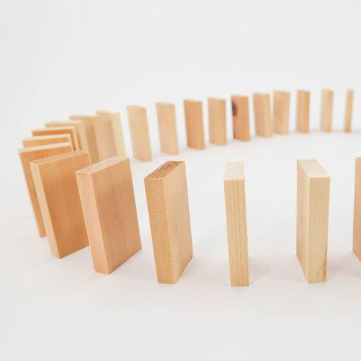 Zirben Domino im Baumwollbeutel 2